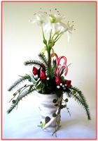 """WHITE NARCISSUS & HERSHEY ROSEBUDS"" Floral/Candy Arrangement"