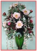 """PINK ROSES"" Candy Bouquet     Send your Mum a beautiful expression of your love with this lovely Candy Bouquet."